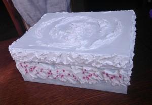 по-моему, на торт похожа :)