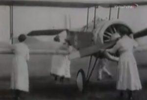 Во время войны женщинам приходилось выполнять мужскую работу